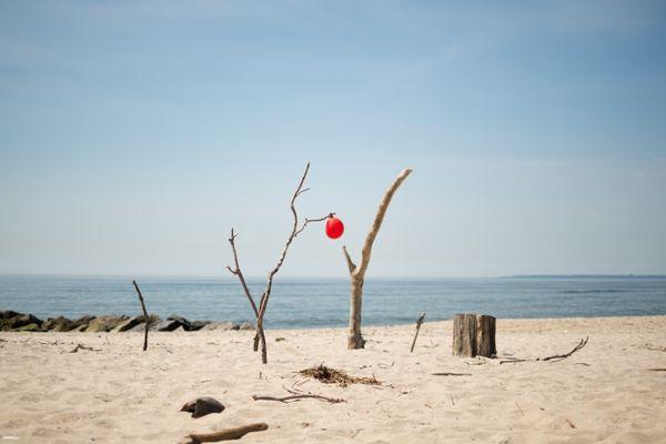 Red Balloon at Beach_06.28.19.jpg