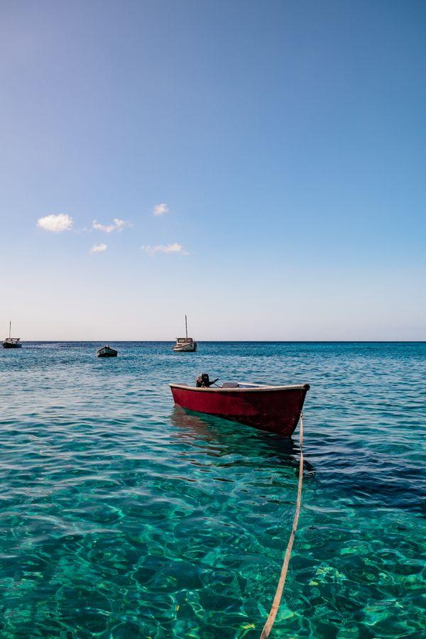 Boat on the water at Playa Piskado, Curaçao - 10.26.2019 (3).jpg